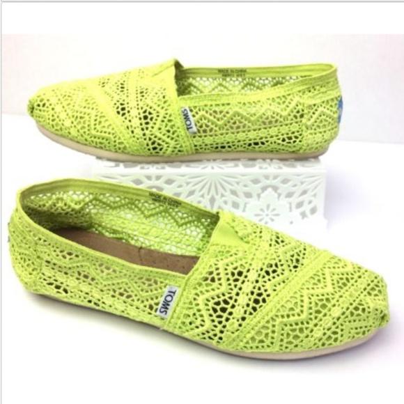 4a804ed256c ... TOMS Chartreuse Crochet Lace Ballet Flats. M 5b5e0bb895199607dbd69b11